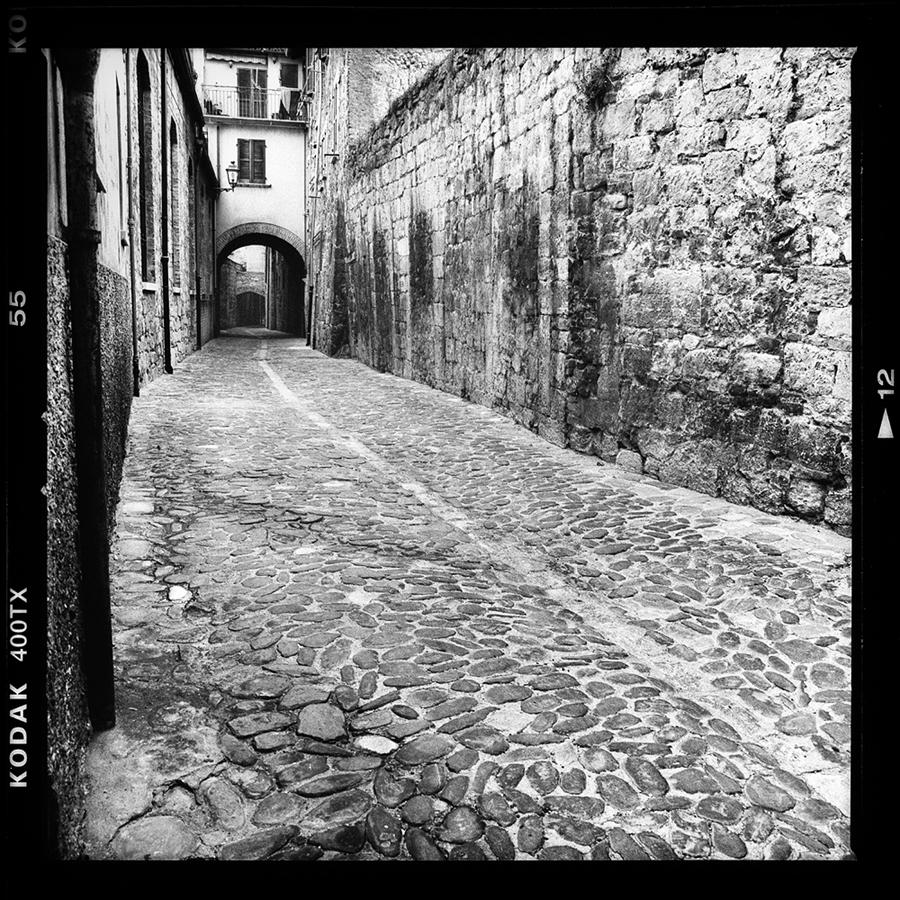 030 medieval italian city
